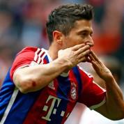 Bayern zwycięża w Der Klassiker. Kolejny gol Roberta Lewandowskiego