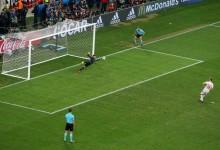 Najnowszy pomysł FIFA na zagrania ręką w polu karnym!