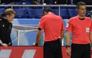 UEFA: Finał LM poprowadzi…