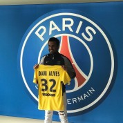 Dani Alves oficjalnie w PSG