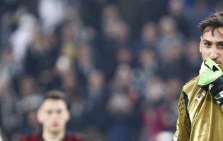 """Fani Milanu wściekli na Raiolę: """"Gigi, rzuć go!"""""""