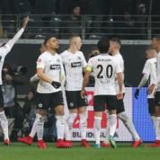 Liga Europy: W grupie F emocje będą do końca - Arsenal przegrał z Eintrachtem