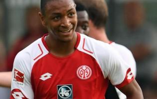 L'Equipe: Młody obrońca wybrał Borussię Dortmund