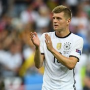 Jak trwoga to do Kroosa, szczęśliwa wygrana Niemców