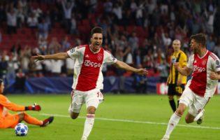 Ajax z trzema punktami. Słabiutkie AEK Ateny