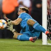 Arsenal pokonuje Angers po rzutach karnych w meczu towarzyskim
