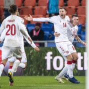 Grupa D: Szwajcaria zatrzymana przez Schmeichela - Dania zgarnia trzy punkty