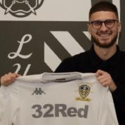 Oficjalnie: Mateusz Klich przedłużył kontrakt z Leeds
