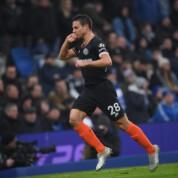 Premier League: Chelsea FC remisuje z Mewami, piękne trafienie Irańczyka