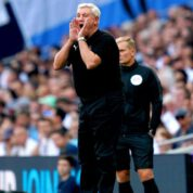 Steve Bruce potwierdza: Newcastle szuka napastnika