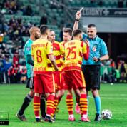 Jagiellonia nie może porozumieć się z piłkarzami w sprawie obniżenia pensji